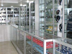 La Vidriera - Servicios - carpinteria en aluminio - vitrinas